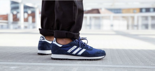 adidas New York in Blau-Weiß