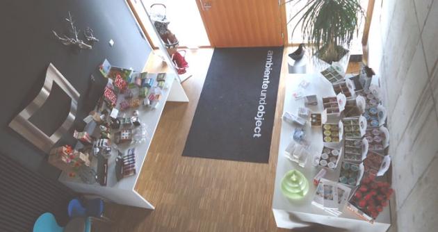 Wenn Sie Geschenke, Designartikel und Accessoires online bestellen, dann bei ambienteundobjectonline.de